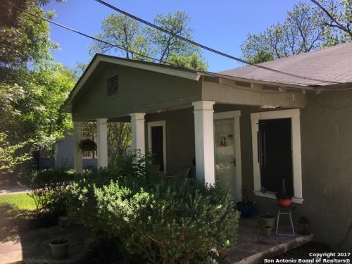 524 E Mistletoe Avenue Photo 1