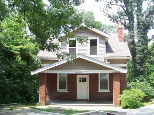37 Elmwood Place Photo 1