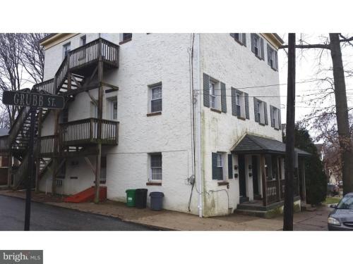 18-20 W 5th Street #D Photo 1
