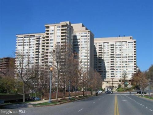 5500 Friendship Boulevard Photo 1