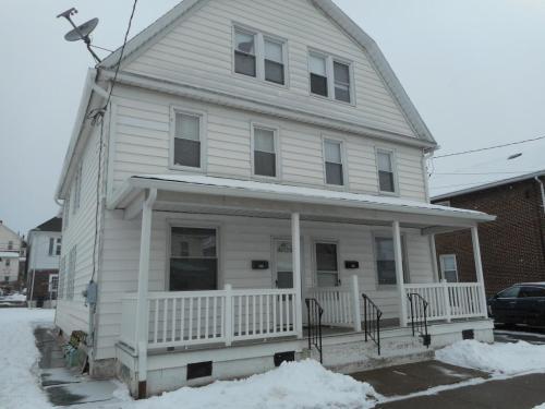 324 E Union Street Photo 1