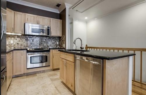 3400 Normandy Avenue #4D Photo 1