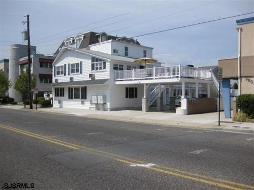 9609 Ventnor Avenue Photo 1