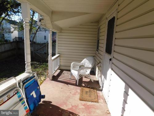 422 Dunmore Street Photo 1