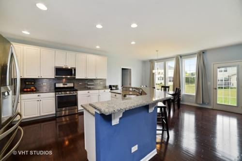 3680 Congressional Parkway Photo 1