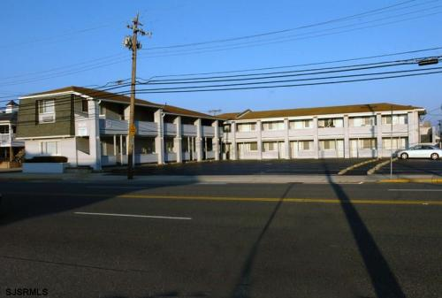 9201 Atlantic Avenue Photo 1