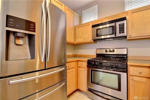 542 224th Place NE Photo 1