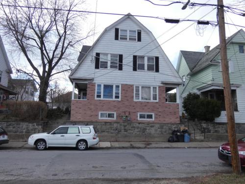 901 Ridge Avenue Photo 1