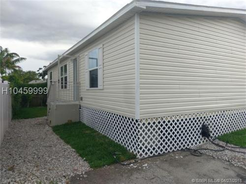 13560 SW 7th Place Photo 1