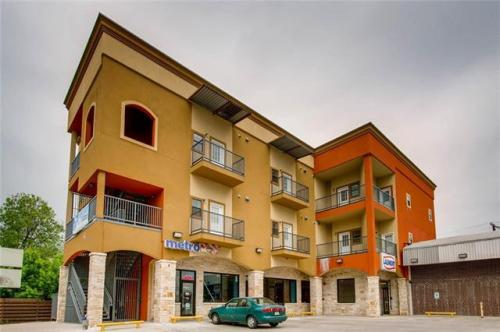 420 N Pleasant Valley Drive Photo 1