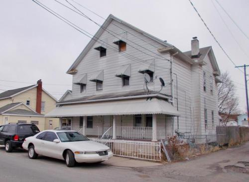 211 S Sumner Avenue Photo 1