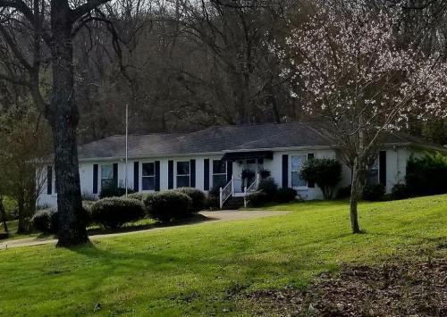 479 Franklin Road Photo 1