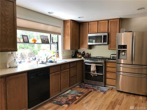 6419 NW Redfern Street Photo 1