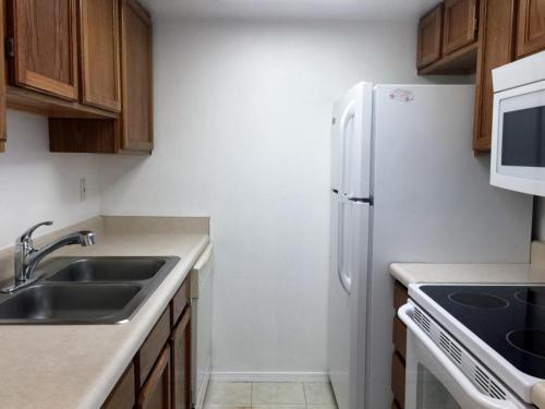 8888 N 47th Avenue Photo 1