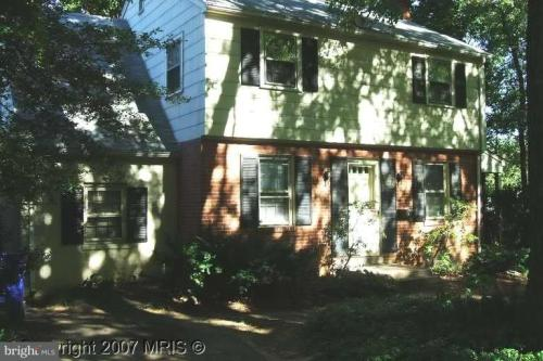 8915 Sudbury Road Photo 1