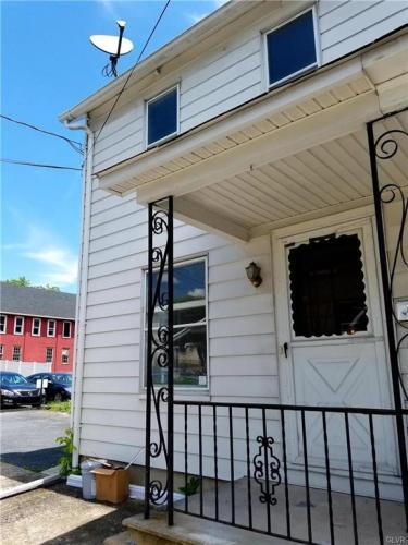 119 S Cedar Street Photo 1