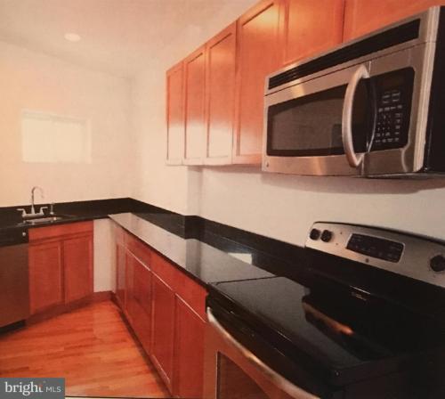 925 Potomac Avenue SE Photo 1