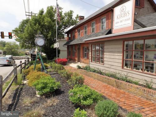 4007 Germantown Pike Photo 1