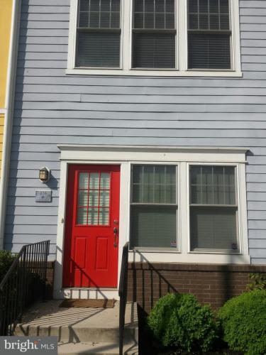 416 Eastern Avenue NE Photo 1