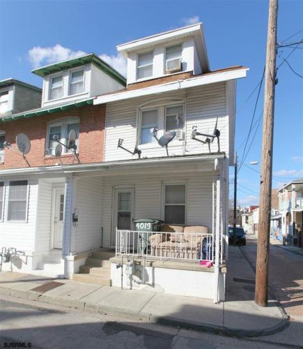 4019 Van Rennslear Avenue Photo 1