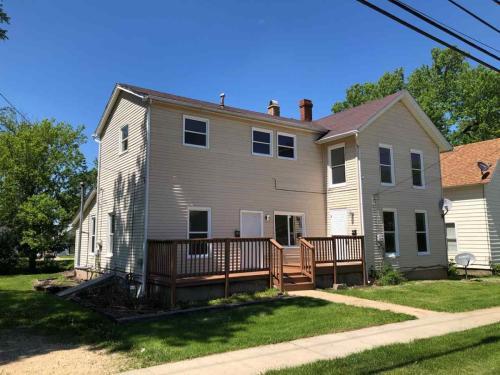 630 E Pleasant Street Upper Photo 1