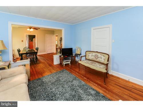 425 E Emerald Avenue #1 Photo 1