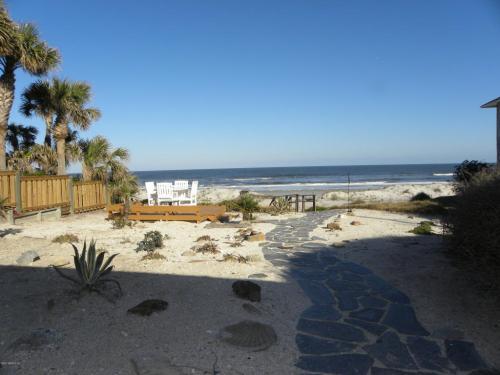2011 Beach Avenue Photo 1