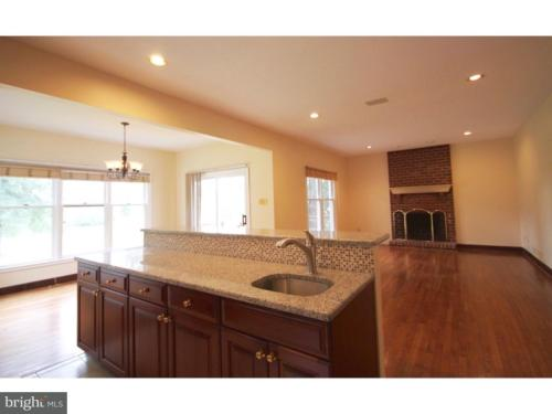 104 Country Club Drive Photo 1
