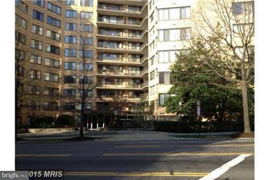 4740 Connecticut Avenue NW #411 Photo 1