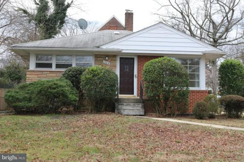 306 Russell Road Photo 1