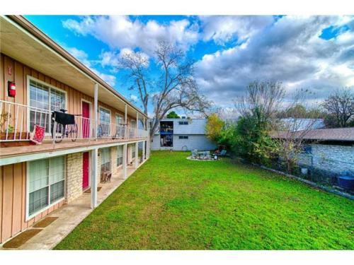 5609 Woodrow Avenue 201 Photo 1