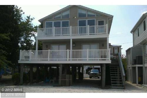 3305 Shore Dr Photo 1