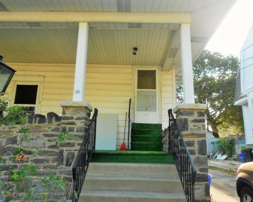 11 Cloverdale Avenue Photo 1