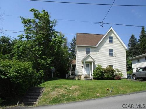 110 Mayer Ave Photo 1