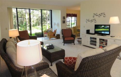 2506 NW Seagrass Dr #3A Photo 1
