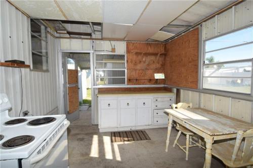 8425 SE Wren Avenue Photo 1