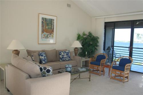 2540 NW Seagrass Drive #4A Photo 1