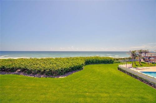 10600 S Ocean Drive Photo 1