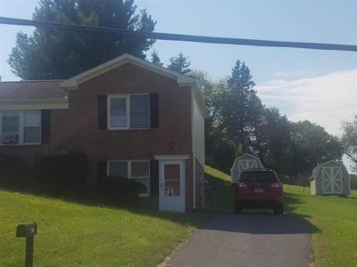 425 Mill Street Photo 1