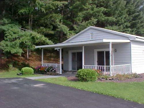 67 Lakeview Lane Photo 1