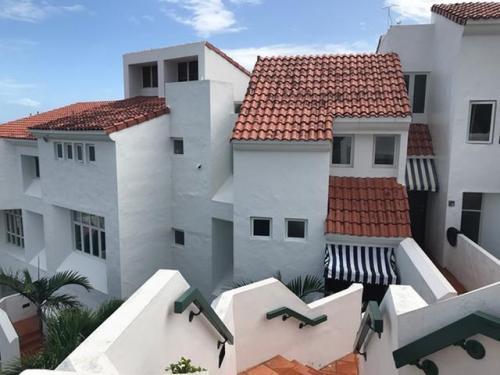 1 Cond Villas Las Brisas Calle 1 #913 Photo 1