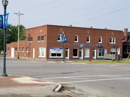 300 E Findlay Street Photo 1