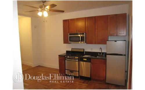 22 Broadway Terrace Apt 2A Photo 1