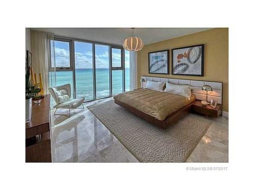 6899 Collins Ave Photo 1
