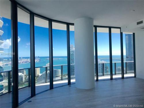 45 SW 9th Street #4801 PENTHOUSE Photo 1