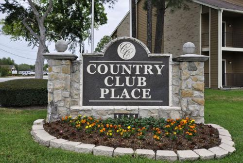 Country Club Place Photo 1