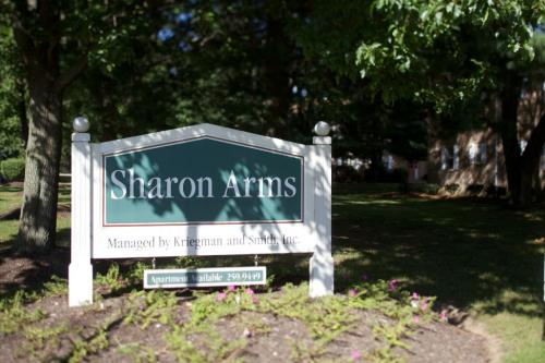 Sharon Arms Photo 1
