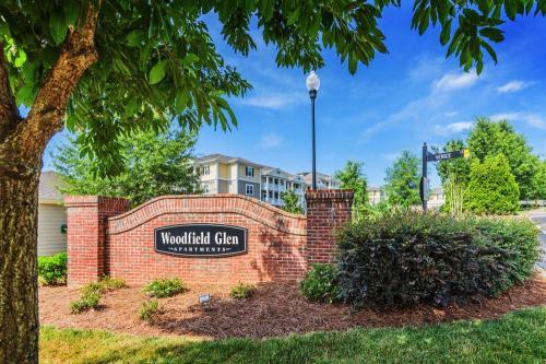 Woodfield Glen Photo 1