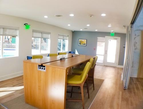 Waterfront Apartments Photo 1