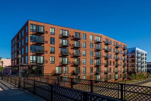 Dock Street Flats Photo 1